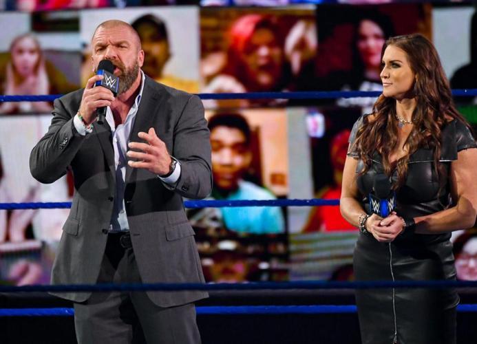 Triple H junto a Stephanie