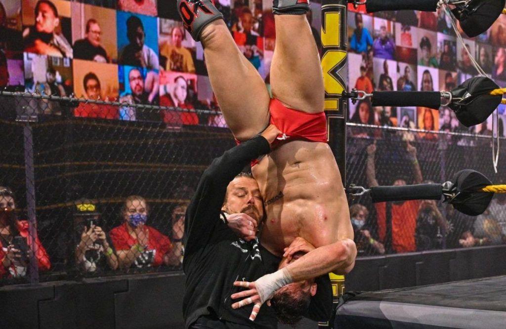 Cole atacando a Kyle