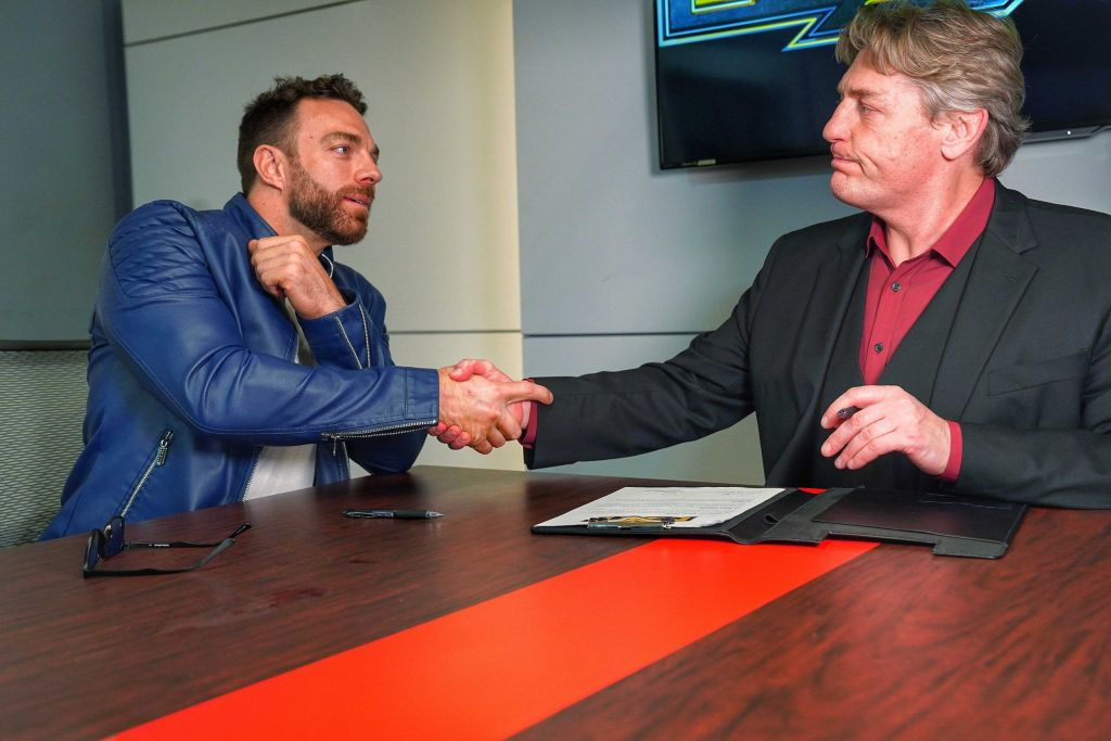 Drake firmando con WWE