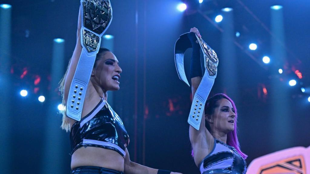 Dakota y Raquel como campeonas