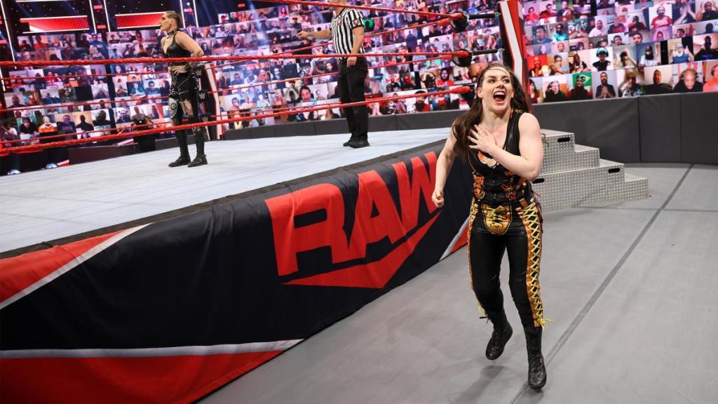 Nikki Cross en Raw