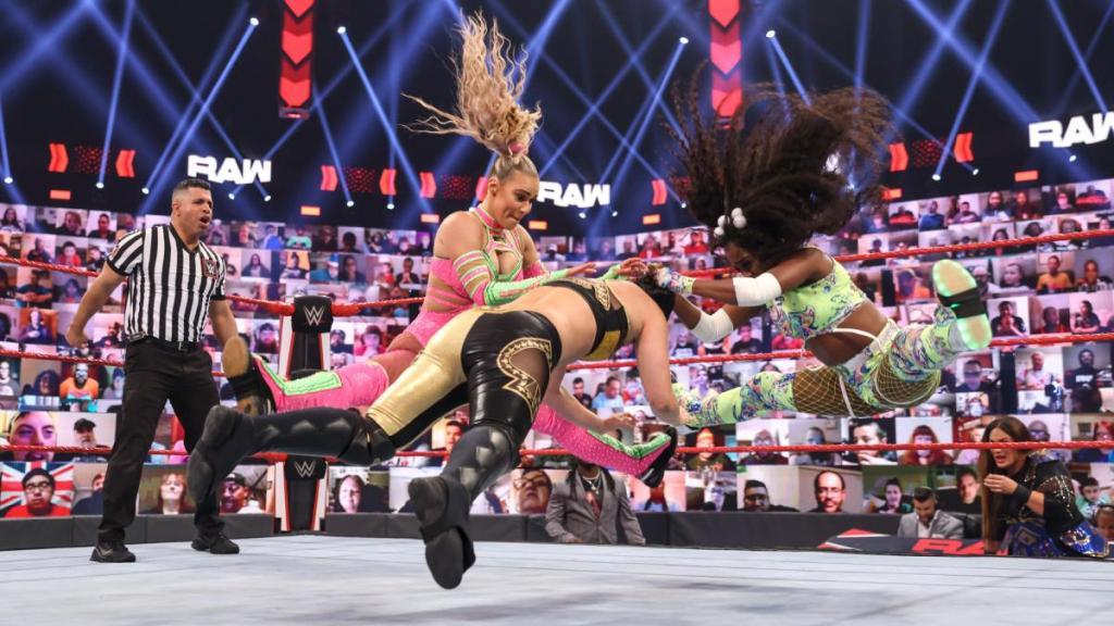 Lana y Naomi juntas