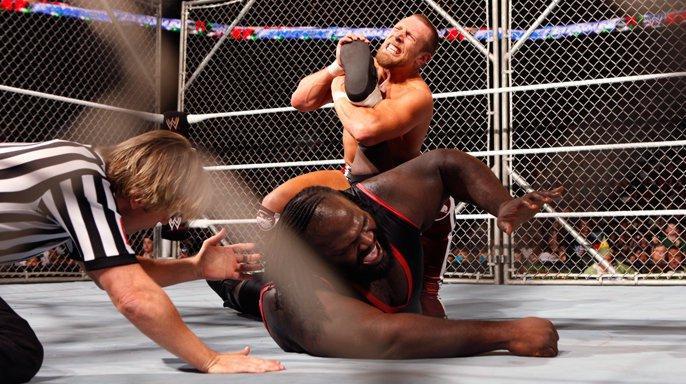 Daniel Bryan vs Mark Henry