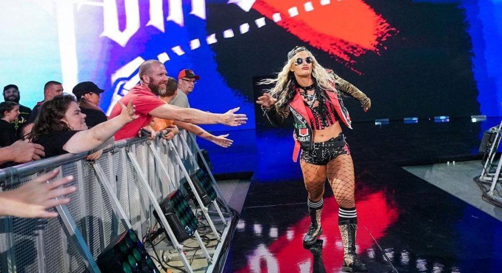 Toni Storm en SmackDown