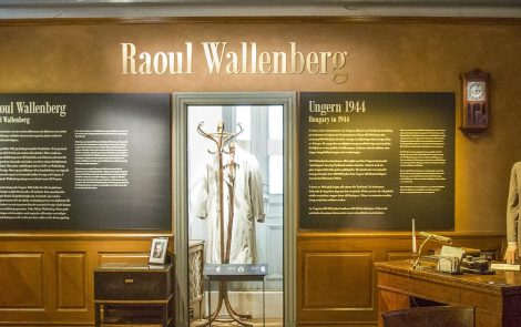 The Raincoat – part of Raoul Wallenberg history