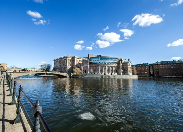 Sweden prepares for fake news ahead of election