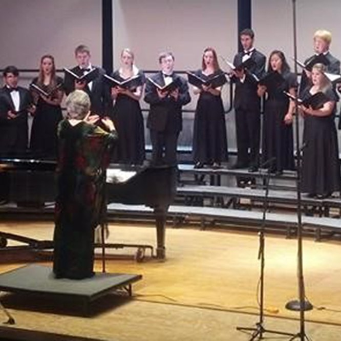 Chamber Singers to perform Holiday Dinner Concert