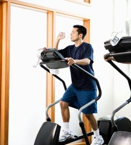 elliptical-machine-guy-drinking-water.JPG