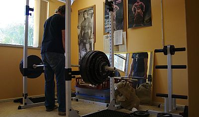 deadlift-at-home-gym.jpg