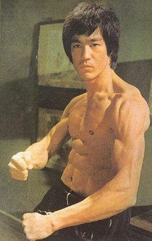 Bruce-Lee-Ripped-Shoulder-Muscles.jpg