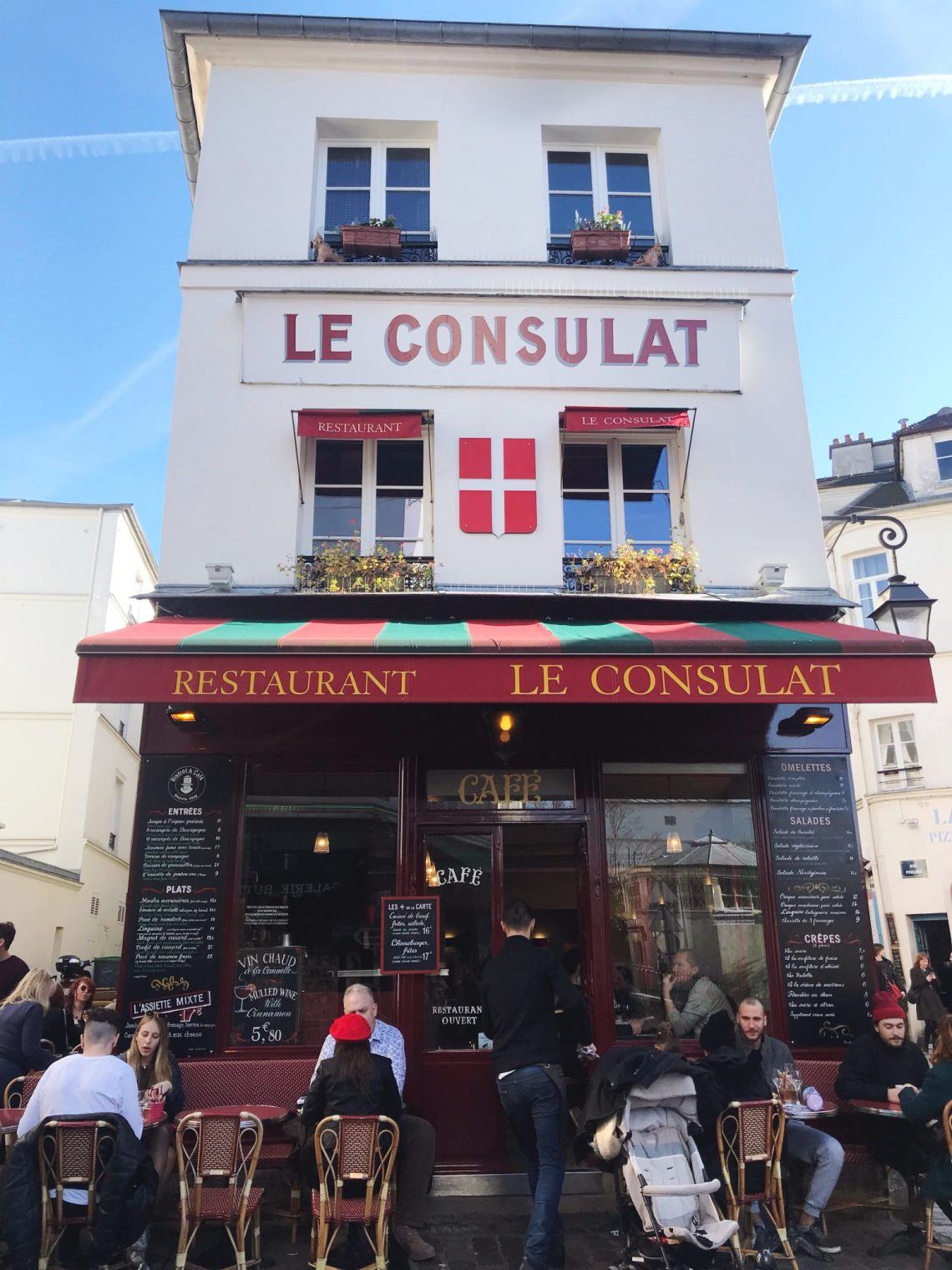 Le consulat restaurant paris france