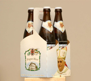 """Papst Bier"", The beer of the Pope -- photo: dpa"
