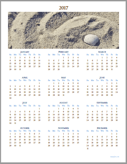 2017 calendar - shell on the beach