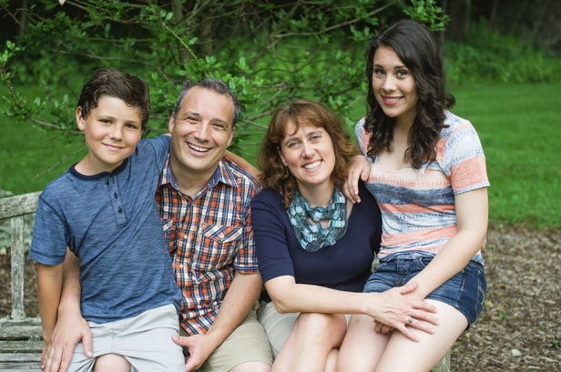 Picture of Dr. Munson with this family.