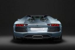 Lamborghini-Aventador-roadster-back-468x311