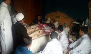 Zaidi gembira menerima kehadiran sahabat-sahabatnya dari kumpulan Rabbani dan Far East. Sumber gambar: Ustaz Nabil Far East