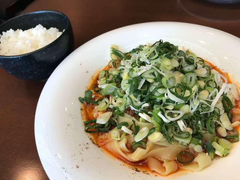 中華料理旬華咲兆の汁無し坦々麺ランチ