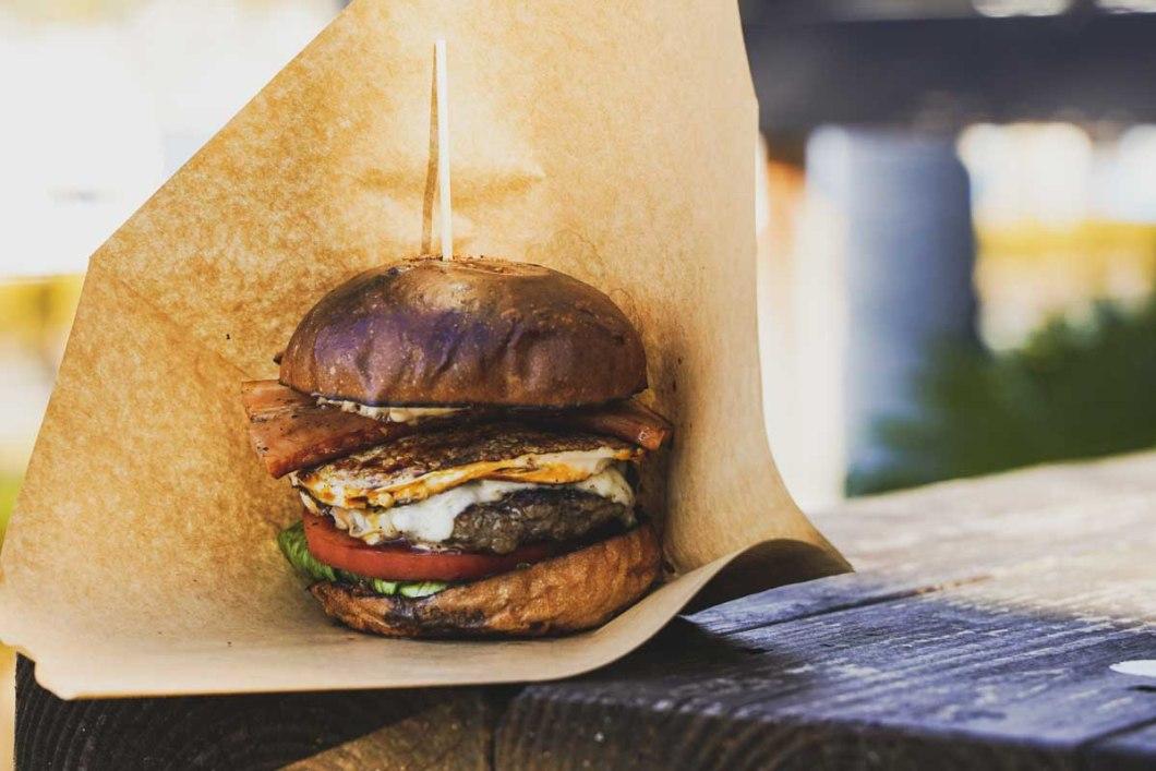 ヒロアイナのハンバーガー