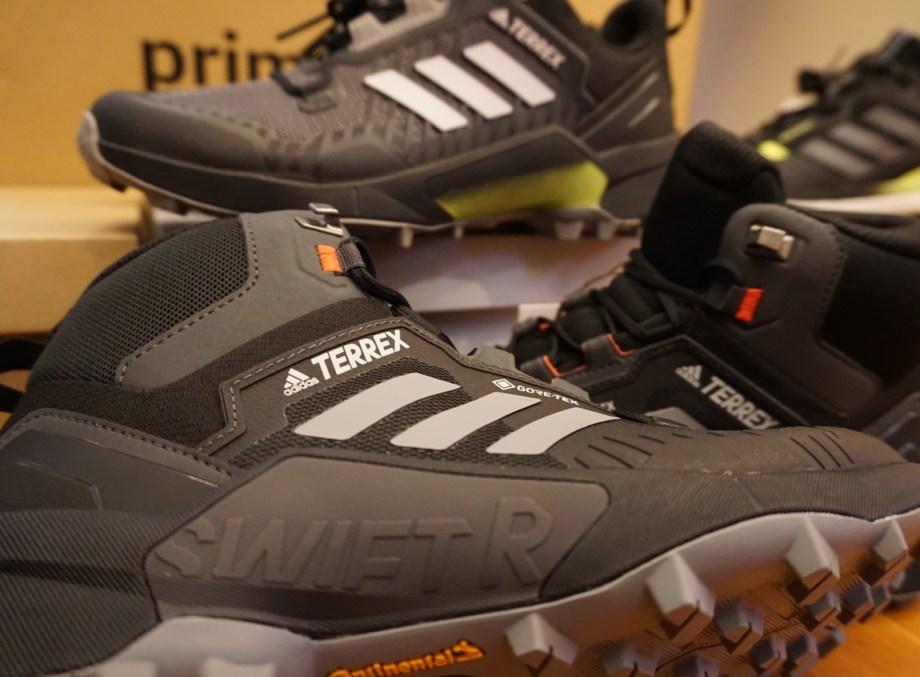 adidasの「テレックス スウィフトR3 MID」のローカットとミッドカットをレビュー