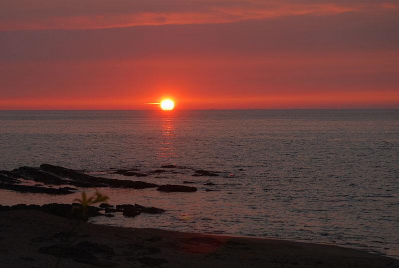 箱石海岸の夕日