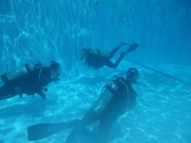 Open Water Course in Manado pool