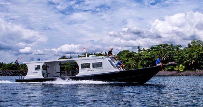 Murex-Boat-Manado-Bay