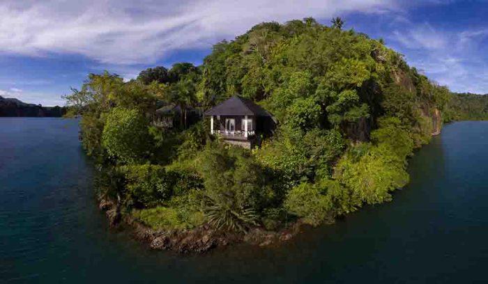 Lembeh Resort luxury cottage