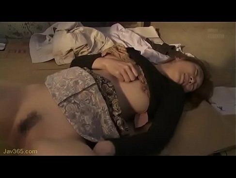 幸の薄そうな普通の30代の主婦が鬼畜男に凌辱されおまんこを犯されるれイプ 動画 38.5度無料
