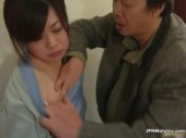 絶倫で変態な大家におまんこを犯される田舎の熟女人妻のれイプ 動画 38.5度 動画