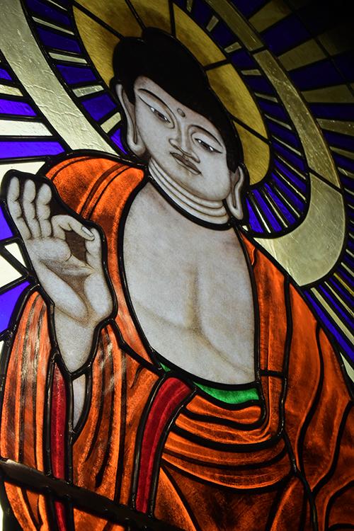 菩提寺ステンドグラス02