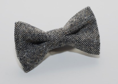 Donegal Tweed Bow Oakwood