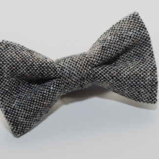 Donegal Tweed Bow Oakwood