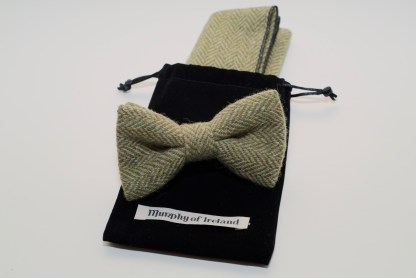Donegal Tweed Pocket Square & Bow Apple Oatmeal