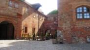 Restaurant zwischen Torhaus und Palas
