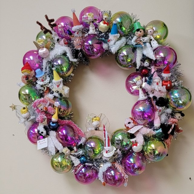 Vintage Wreath with Christmas ornaments