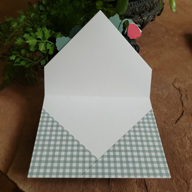 patterned paper on inside of card