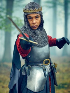 sophie-okonedo-as-margaret-of-anjou-in-the-hollow-crown