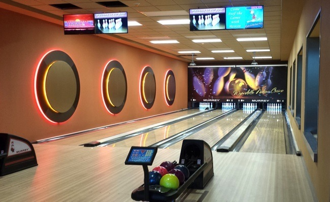 Home bowling alley, residential bowling lanes