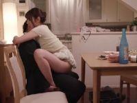 【熟女人妻】欲求不満な美人妻達が夫以外の男を誘惑し激しく腰を振りながら精子を搾り取る痴女な熟女セックス動画