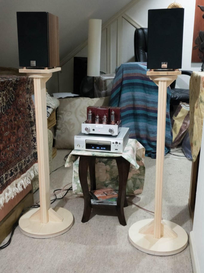 speaker stand for Dali Pico
