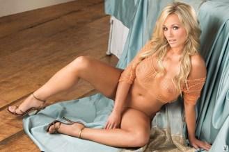 Heather Knox tacones dorados 4