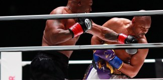 Boxing legends, Mike Tyson and Roy Jones Jr fight to draw in eight-round exhibition bout