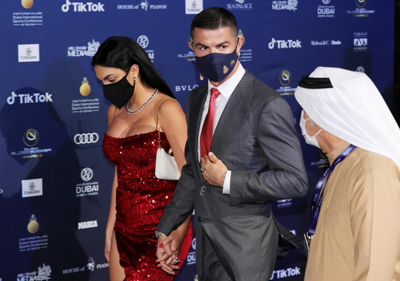 Cristiano Ronaldo and Georgina Rodriguez arrived at Dubai Globe Soccer Awards