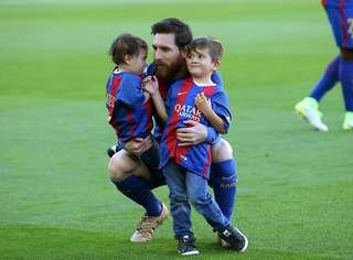 Lionel Messi with his sons