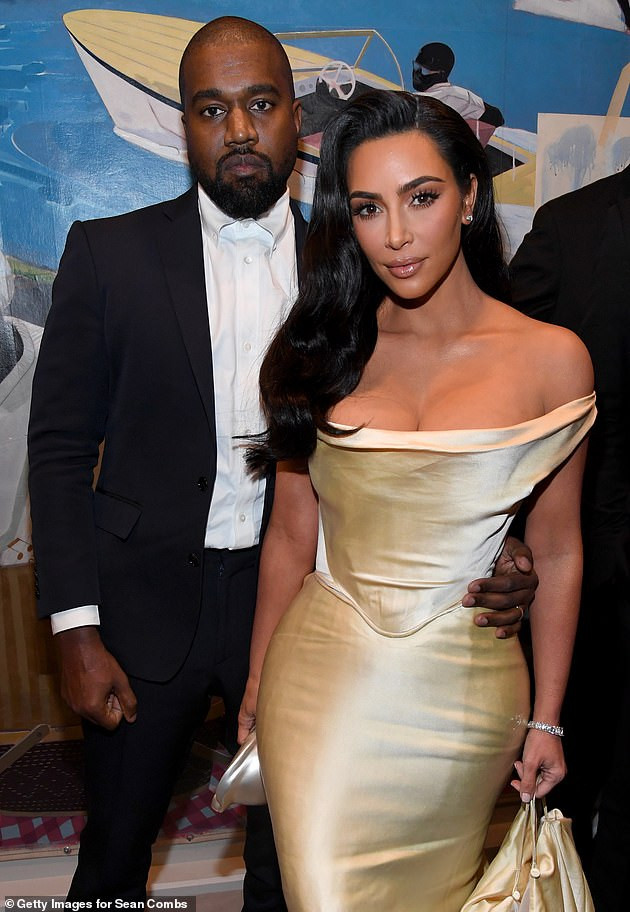 Kim Kardashian begged ex Kanye West to meet up with her after his