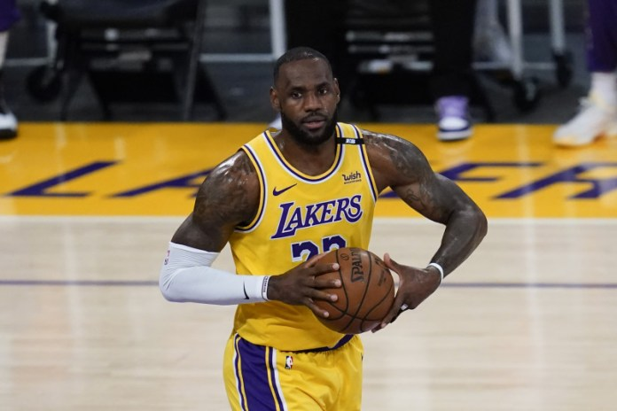 LeBron James becomes first active NBA Player with  billion in career earnings