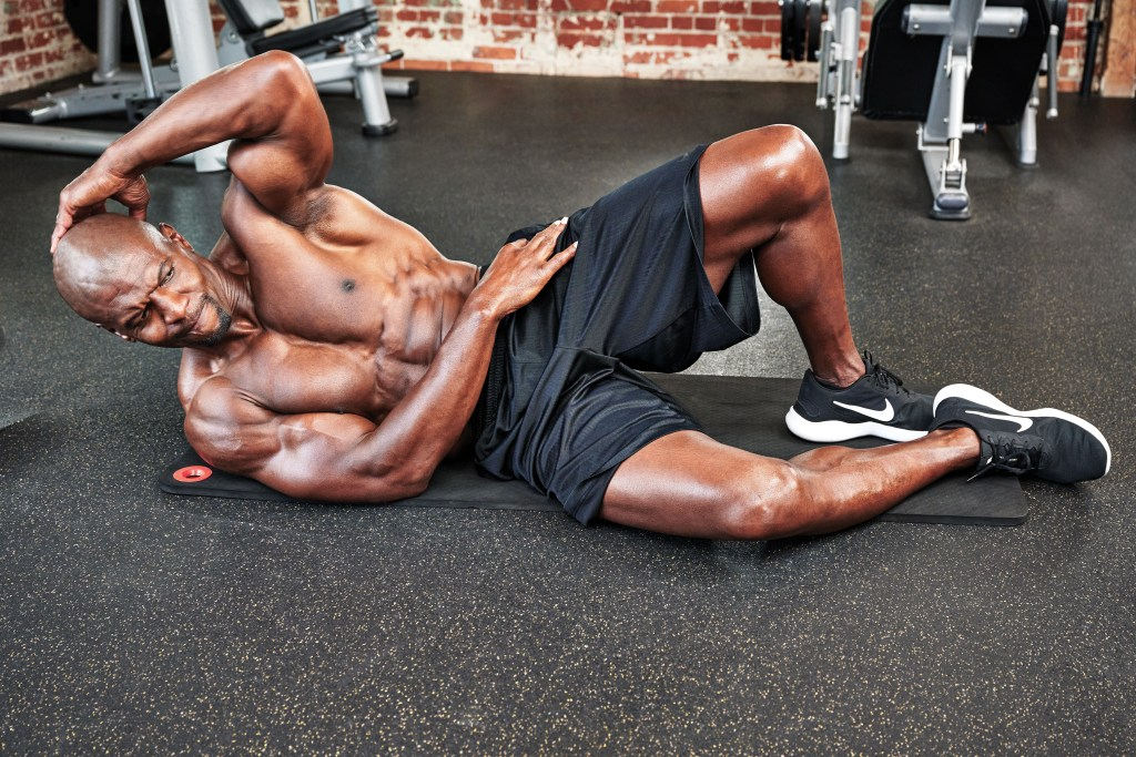 Terry Crews training abs