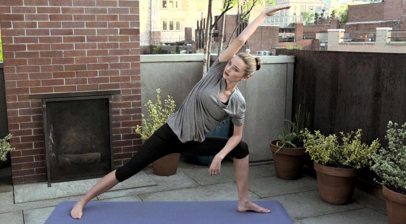 miranda-kerr-yoga
