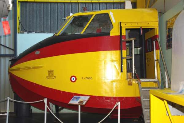 Cabine Canadair - Musée de l'aviation Saint-Victoret