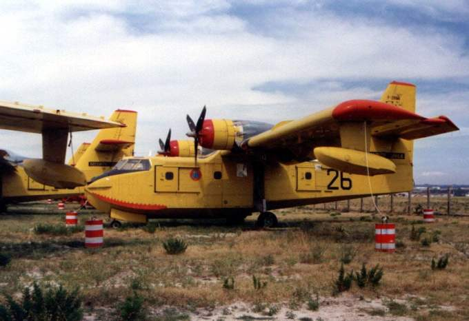 CL-215-45-Musee-de-laviation-Saint-Victoret